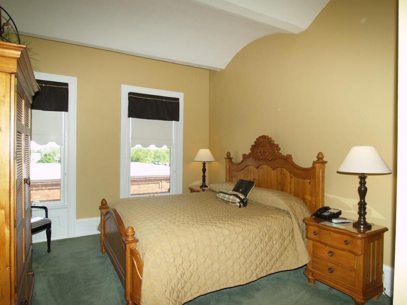 Adorable Manistee Mi Hotels And Motels   Entrancing Ramsdell Inn