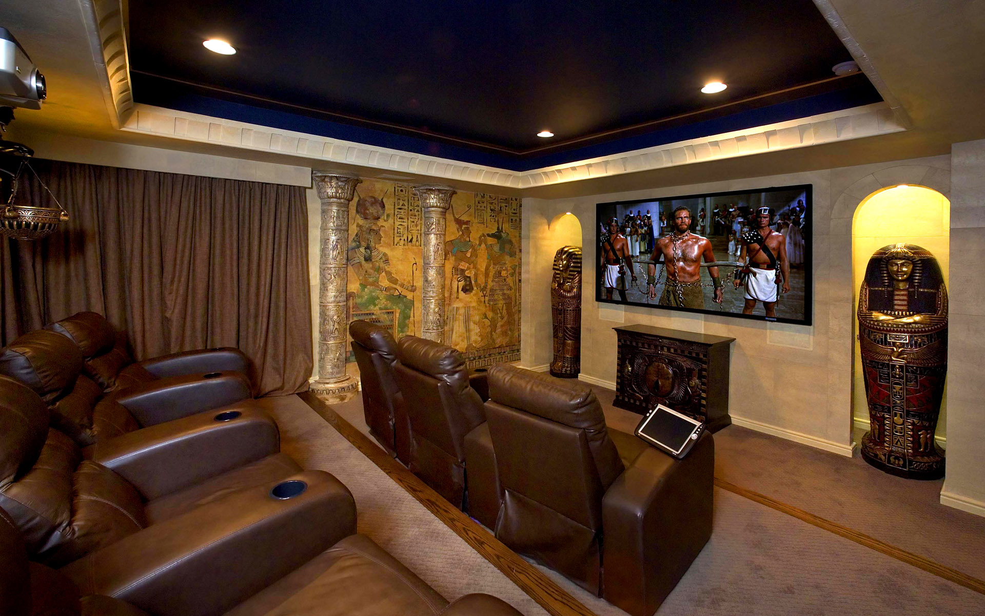 Living Room Theaters | Movie Times Cinetopia | Living Room Theaters