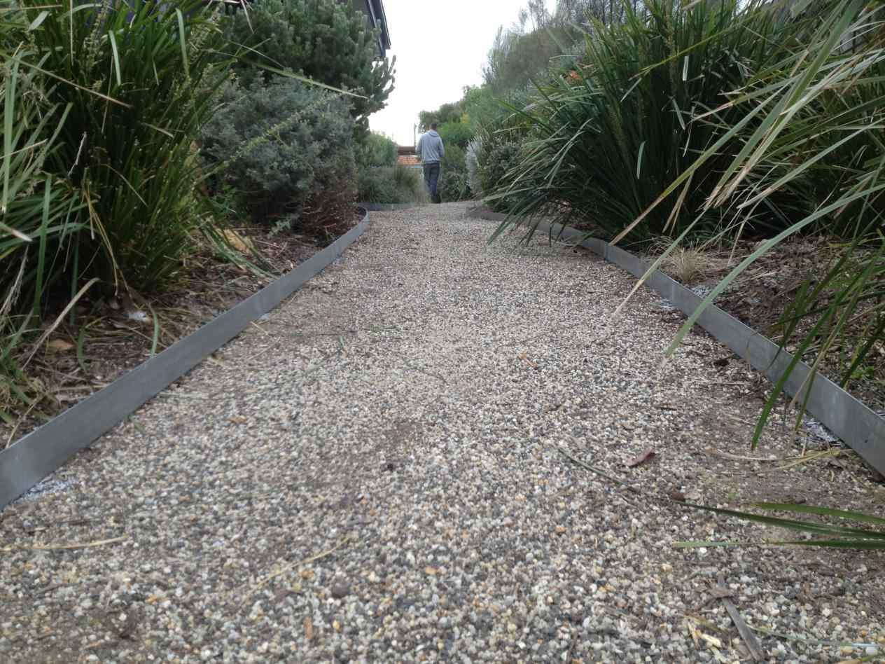 Mulch Edging | Home Depot Landscape Edging | Lowes Edging Stones