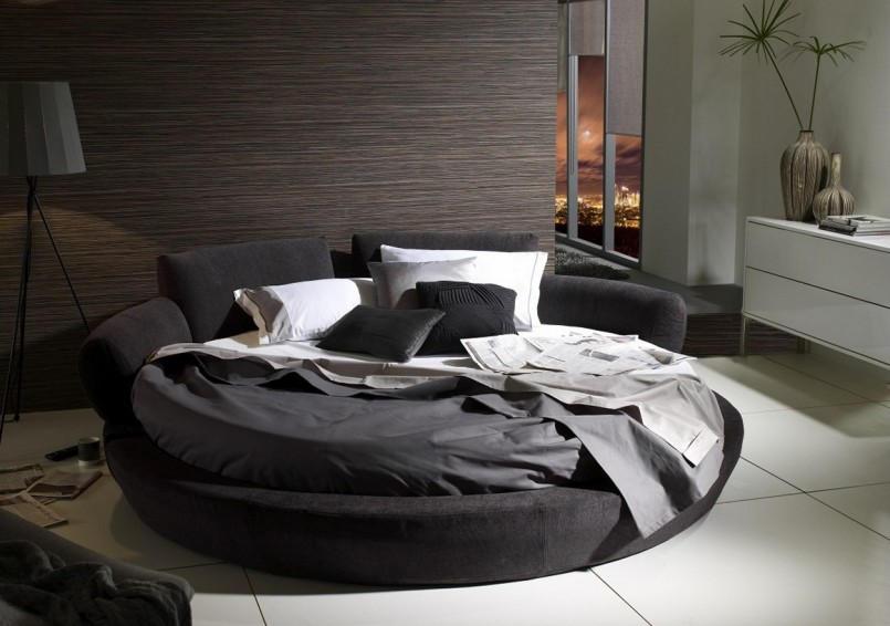 Round Bed Comforter Sets | Round Beds | Round Bale Truck Bed