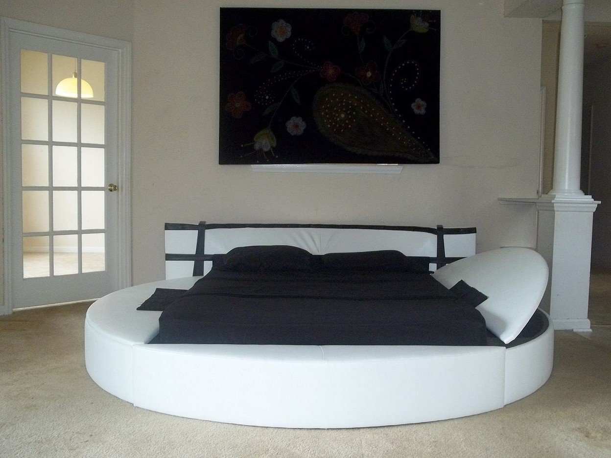 Round Beds | Floating Round Bed | Round Bed Dimensions