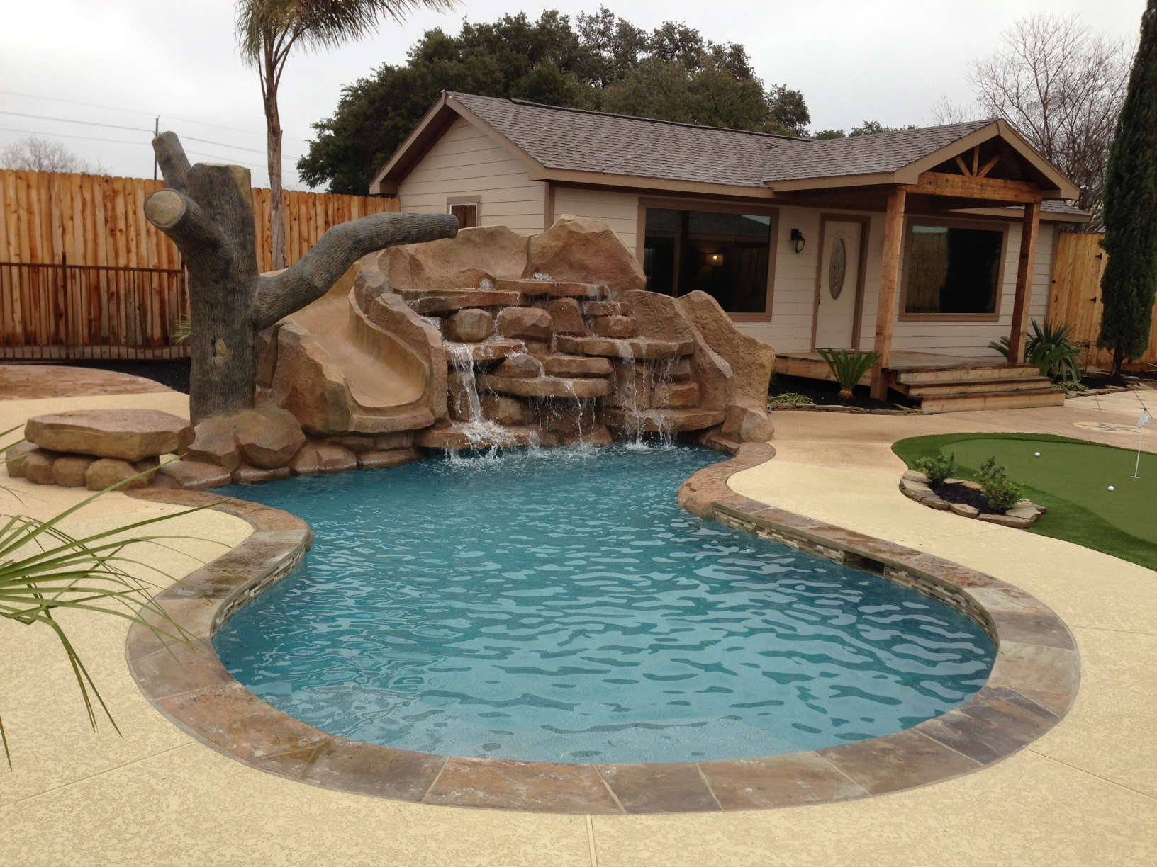 Backyard: Cool Backyard Pool Designs For Your Outdoor Space ...