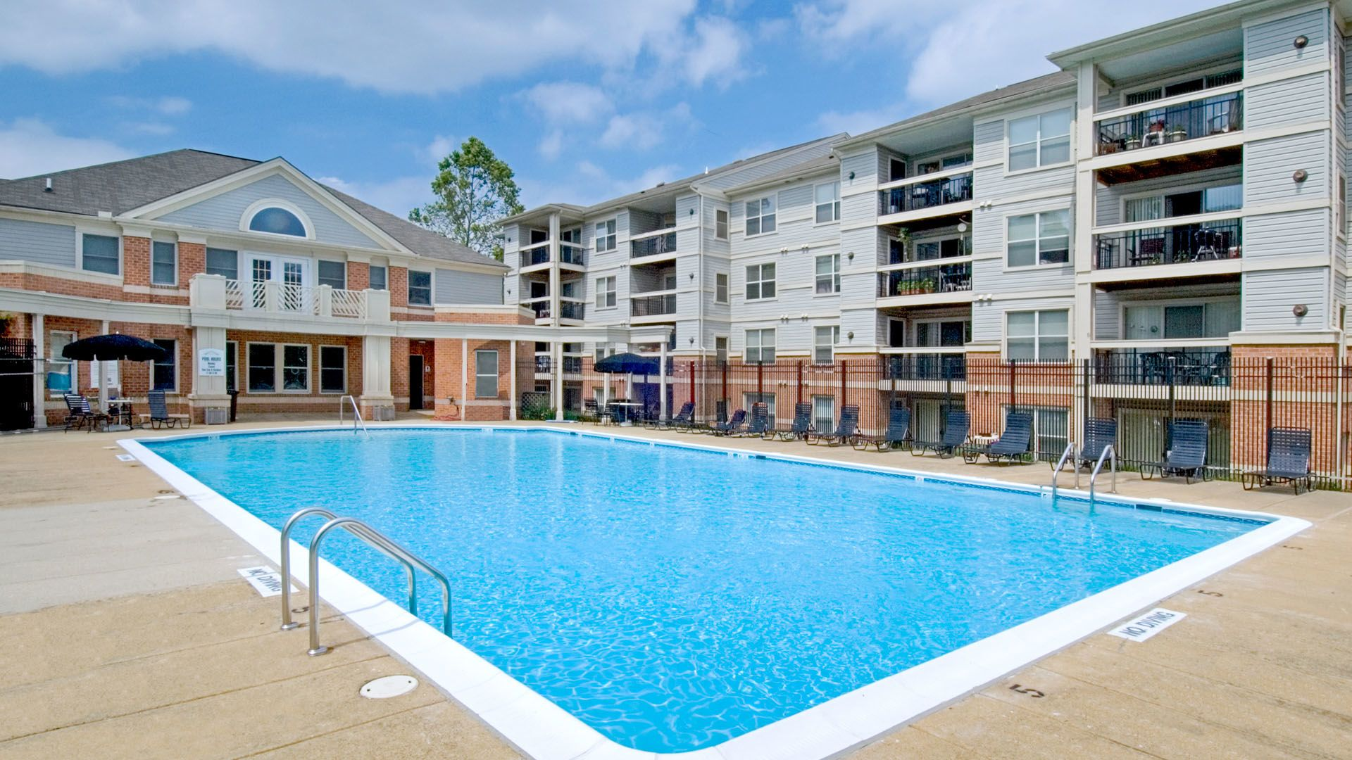 Dazzling New Apartments in Waldorf Md | Stylish Adams Crossing Apartments