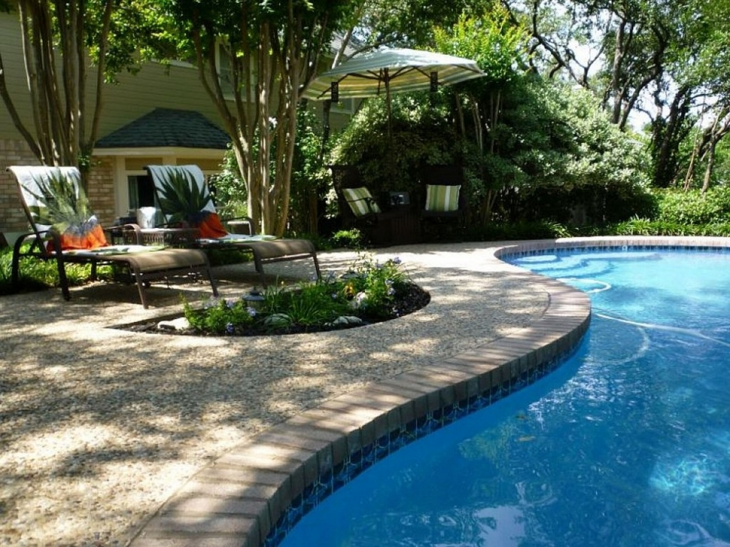 Cool Backyard Pool Designs for Your Outdoor Space: Houzz Backyards | Backyard Pool Designs | Small Inground Pools For Small Spaces