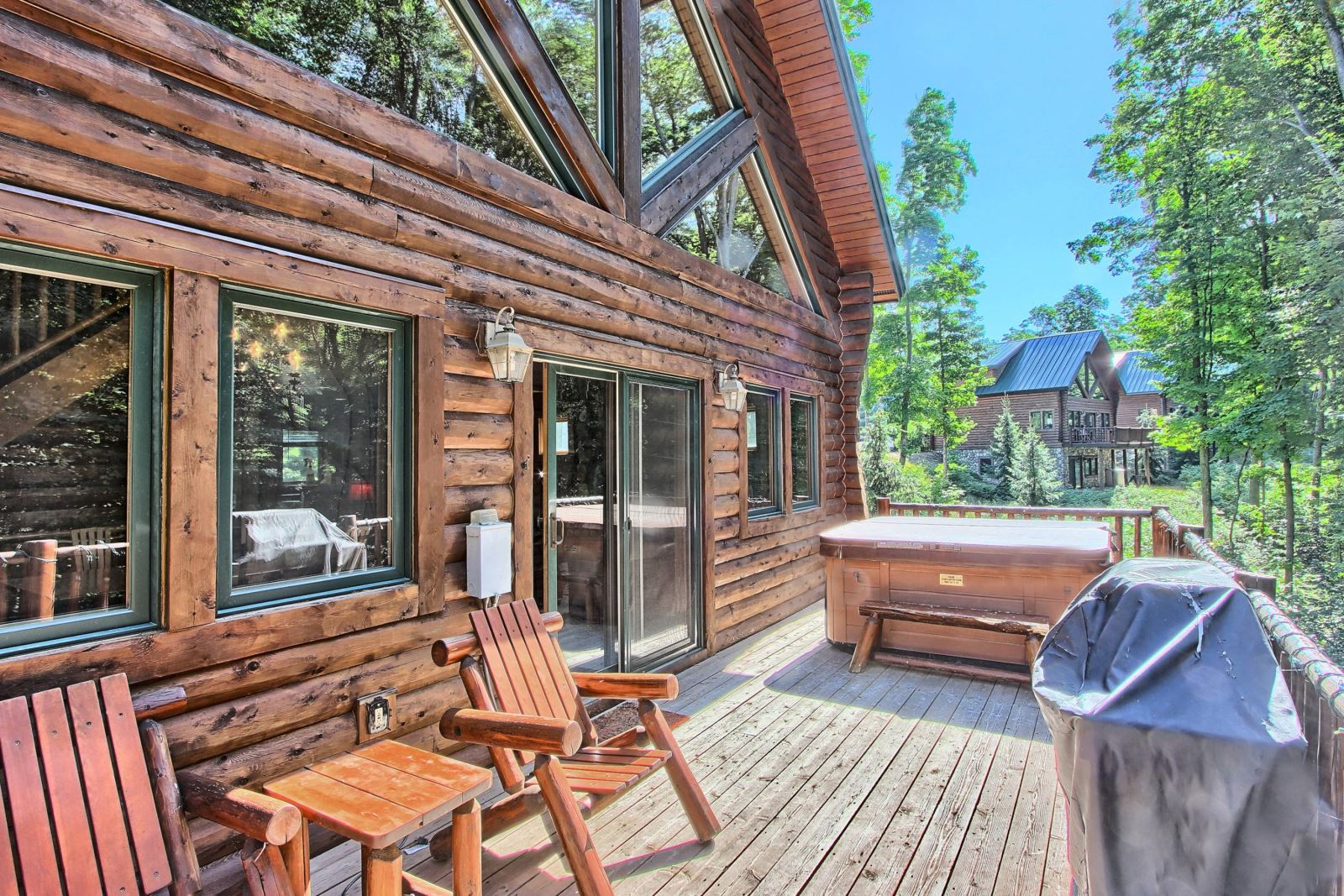 Lakefront Cabin Rentals in Michigan | Upnorth Michigan | Northern Michigan Cabin Rentals