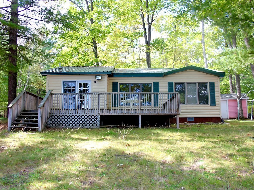 Northern Michigan Cabin Rentals | Clear Lake Cabin Rentals | Northern Michigan Rentals