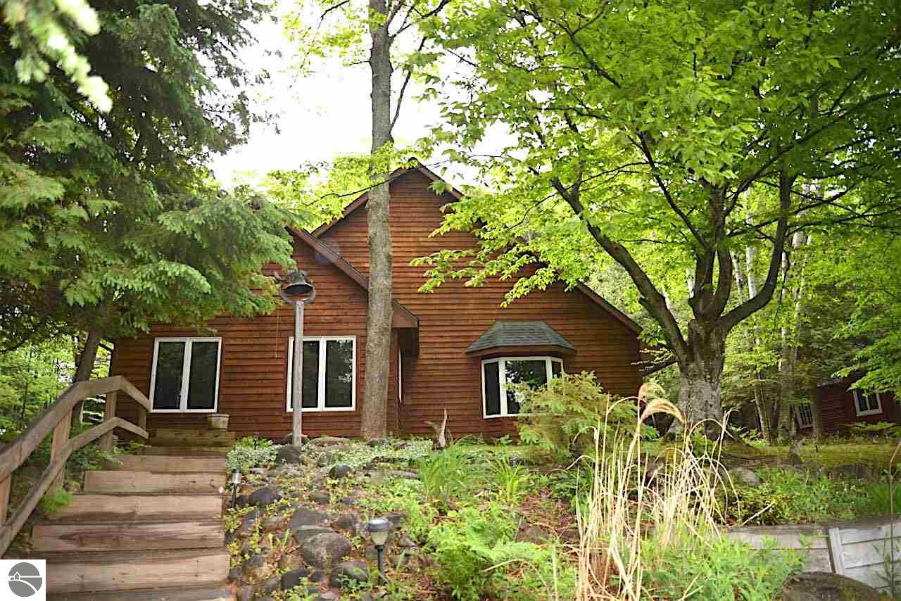 Northern Michigan Cabin Rentals | West Branch Mi Hotels | Traverse City Michigan Vacation Rentals
