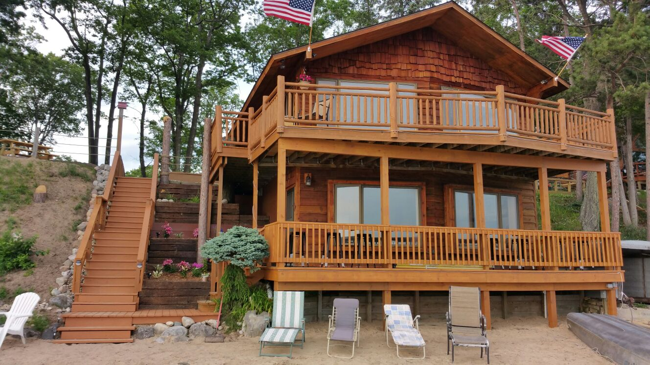 Romantic Cabins in Michigan | Lakefront Rentals in Michigan | Northern Michigan Cabin Rentals