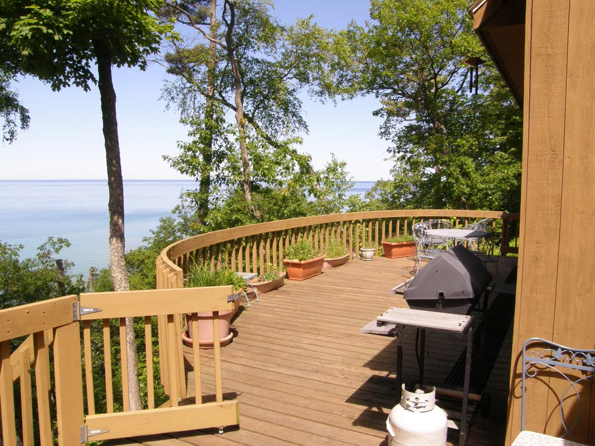 Traverse City Condo Rentals | Northern Michigan Cabin Rentals | Romantic Getaways in Michigan Cabin